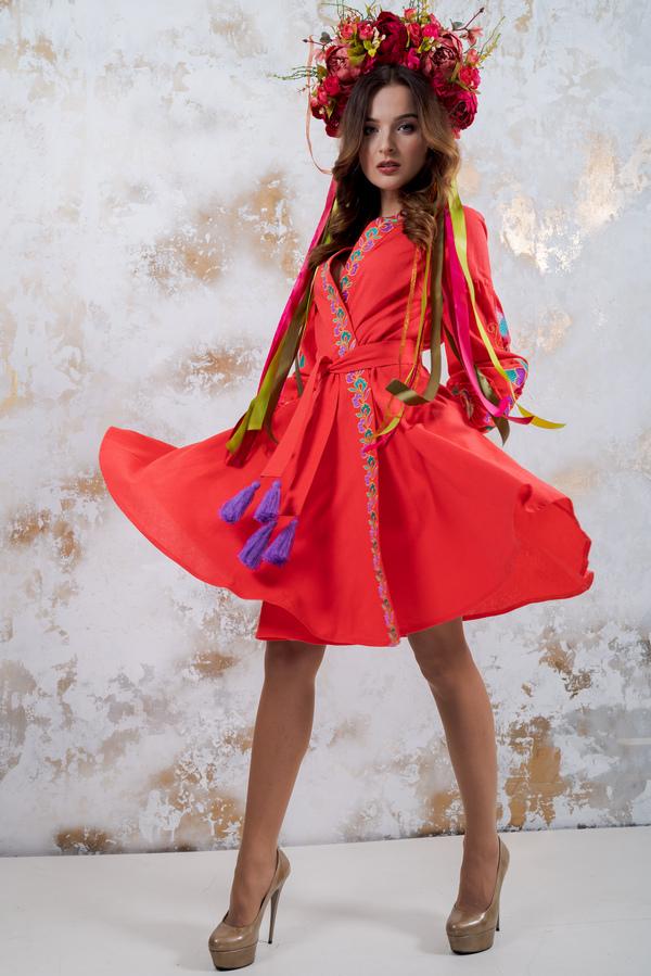 213eb8af3489ea У сучасному світі вишиванка - це широкий список атрибутів одягу для жінок,  чоловіків і дітей, тому бути в модному тренді можна всією родиною!